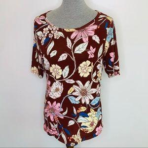 ⭐️3/$25⭐️ Lularoe Gigi fitted floral top